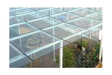太仓钢化玻璃安装之钢化玻璃的自爆缺陷