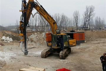 重庆产量高的破石机械之正确的拆卸液压油缸