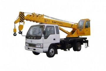 湘乡8至100吨吊车出租之吊车对于润滑油优劣