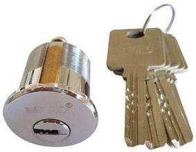 更换锁芯有哪些步骤_配汽车钥匙,开入门锁