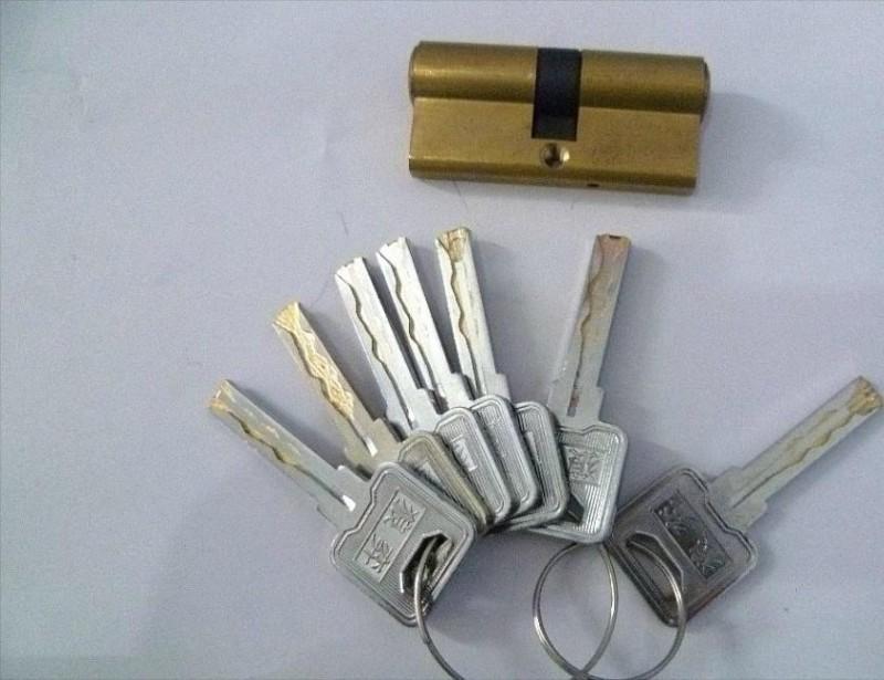 本地开锁时如何快速开锁不伤锁_开汽车锁,开保险柜锁