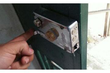 安义县专业修锁公司分析防盗门打不开的原因