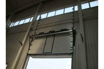 昆明工业提升门安装时需要用到哪些配件