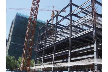 许昌钢结构零售公司讲述钢结构连廊施工方式