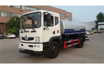 天津洒水车回收公司讲述选择工地洒水车考虑重点